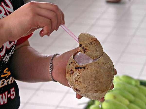 Món dừa nướng ở Thái Lan