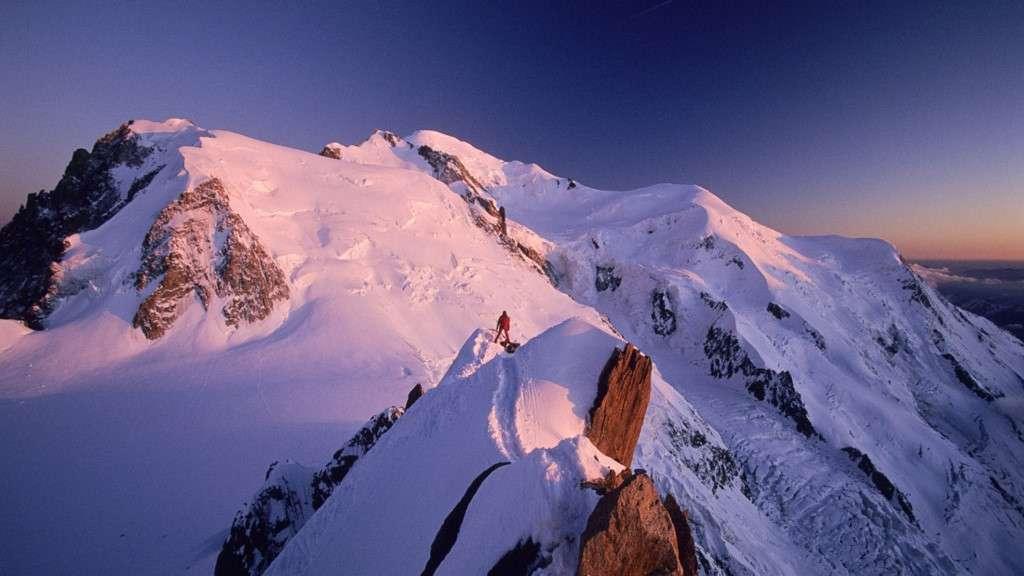 Mont Blanc là ngọn núi cao thứ 11 thế giới
