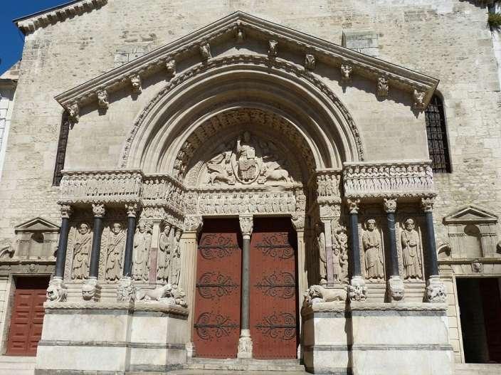 Nhà thờ St. Trophine