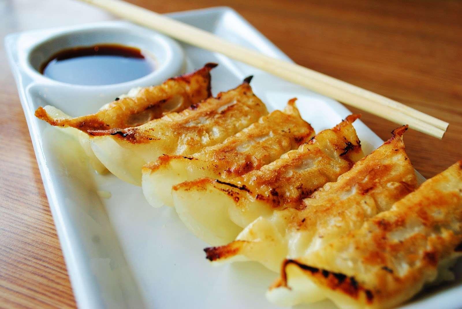 Gyoza – Món ăn nổi tiếng không thể bỏ qua khi bạn đến Nhật