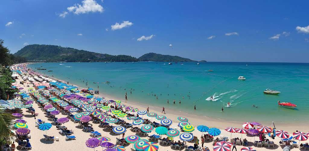 Biển Patong Beach của Thái Lan là một bãi tắm rất nổi tiếng nằm về phía Tây của thành phố Phuket