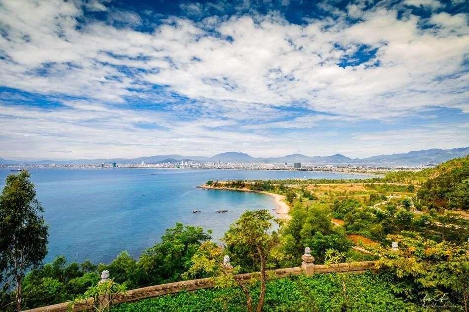 Chiêm ngưỡng toàn cảnh thành phố, núi rừng và biển Đảo Sơn Trà trọn vẹn nhất