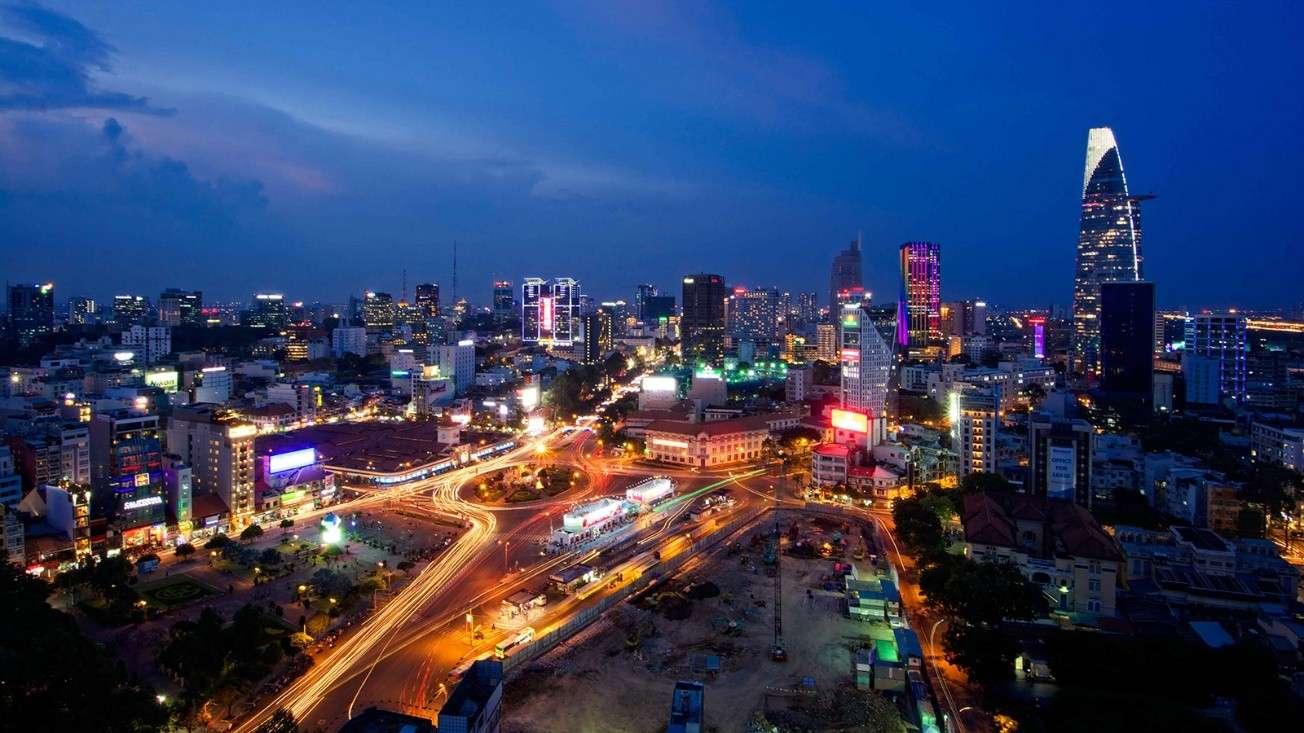 Quay về Việt Nam