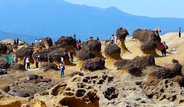 Khu vực một chứa những hòn đá có hình dáng giống với củ Gừng hay củ Nấm