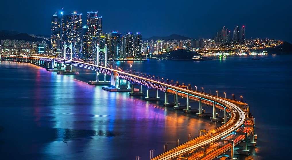 Thành phố cảng Busan là địa điểm hấp dẫn giới trẻ khi du lịch đến Hàn Quốc