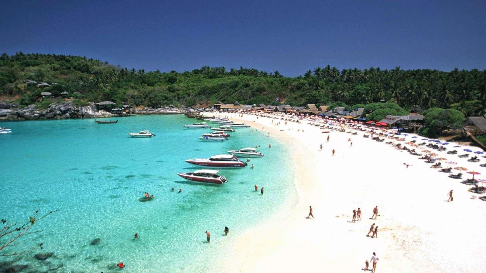 Vẻ đẹp quyến rũ của đảo san hô Carol