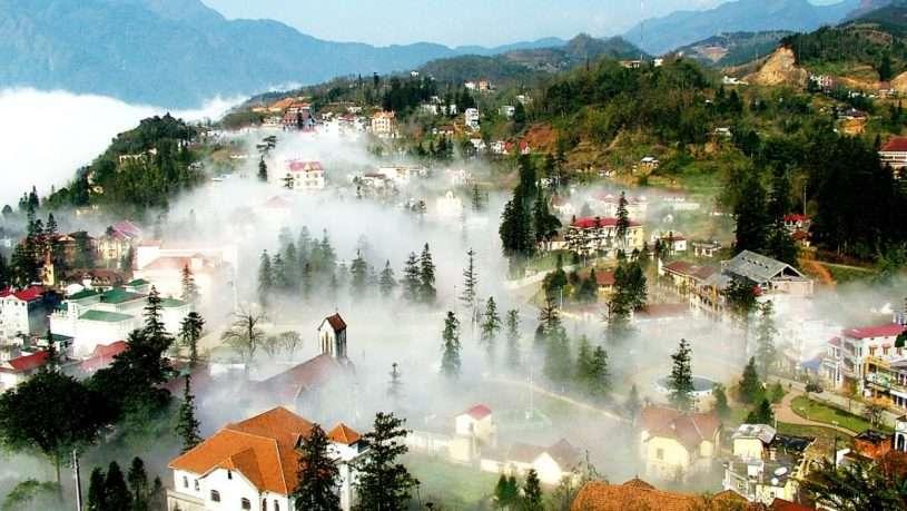 Sapa - thành phố sương mù thu hút rất nhiều khách du lịch