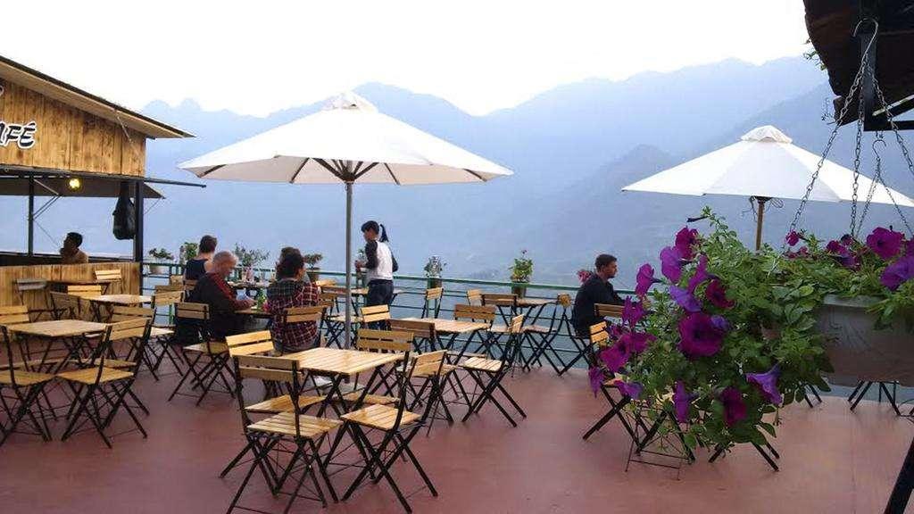 View cực đẹp từ Fansipan Terrace
