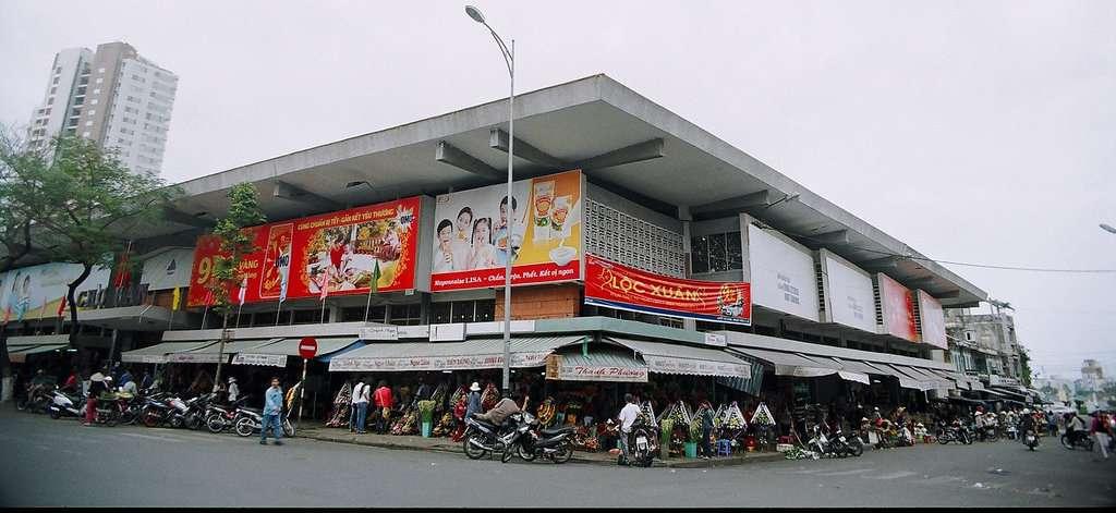 Chợ Hàn sầm uất luôn tấp nập du khách