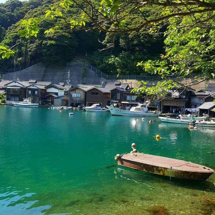 Làng chài nhỏ bên vịnh Ine là một trong ba ngôi làng đẹp nhất Nhật Bản