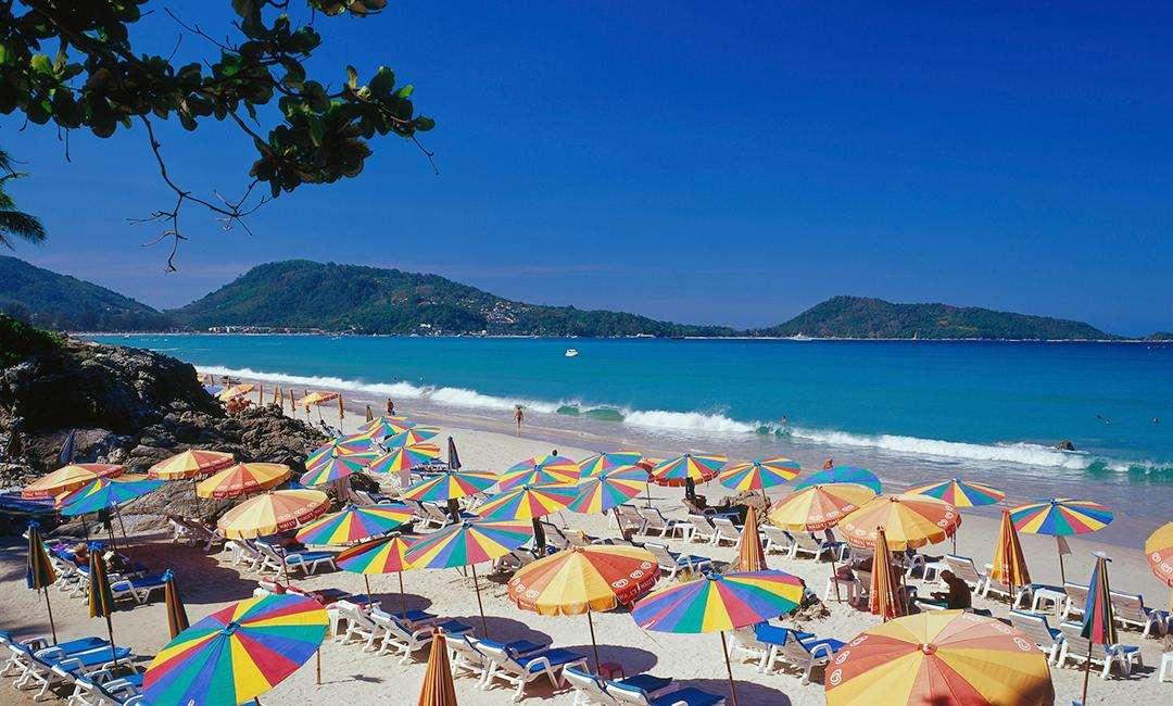 Kata là một bãi biển rất sạch và yên tỉnh