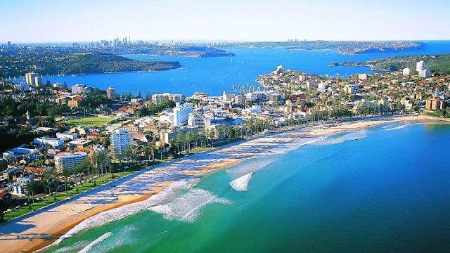 Dạo quanh bãi biển Manly vào mùa hè ở Sydney