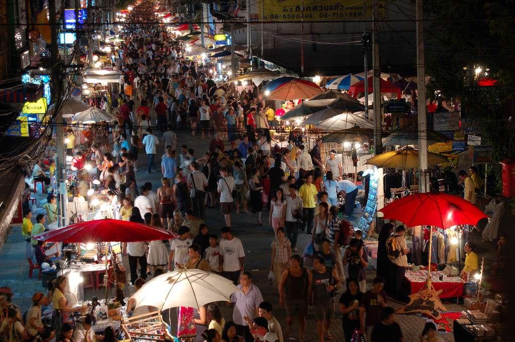 Một khu chợ đêm sầm uất tại Thái lan