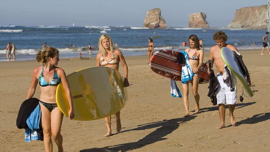 Biarritz là nơi yêu thích của những người mê lướt sóng