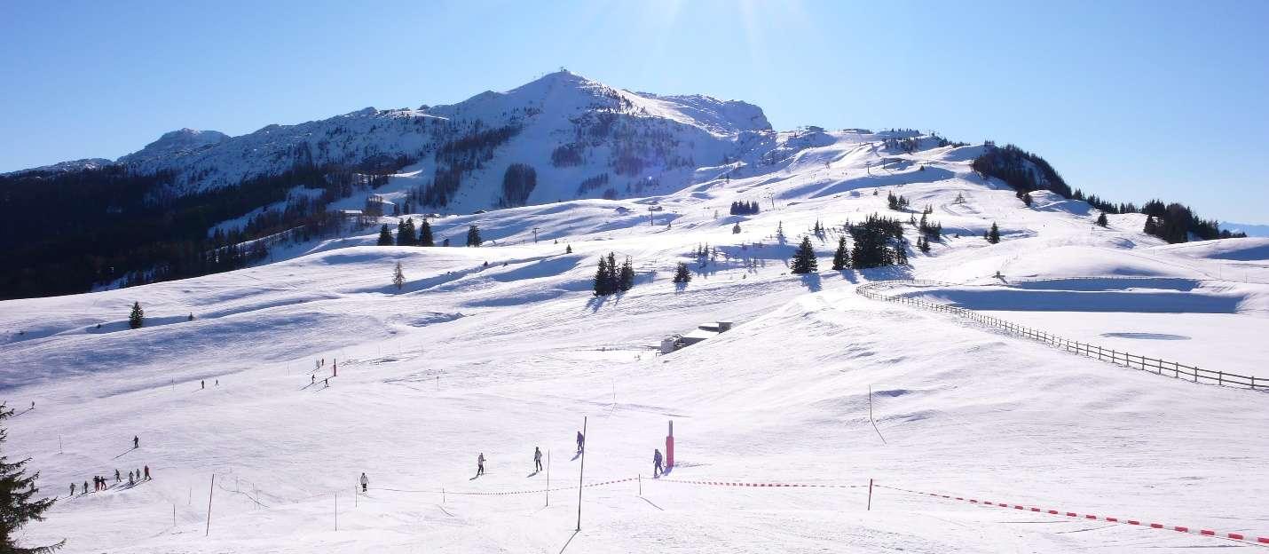 Trượt tuyết ở khu Everland