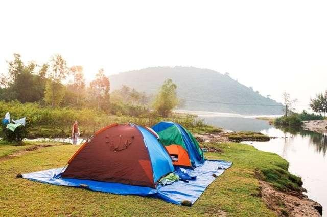 Làng Vân là địa điểm cắm trại tại Đà Nẵng nằm trong vùng vịnh Nam Chơn
