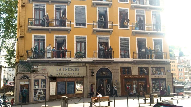 La Fresque des Lyonnais tái hiện lại 30 bức tượng nổi tiếng