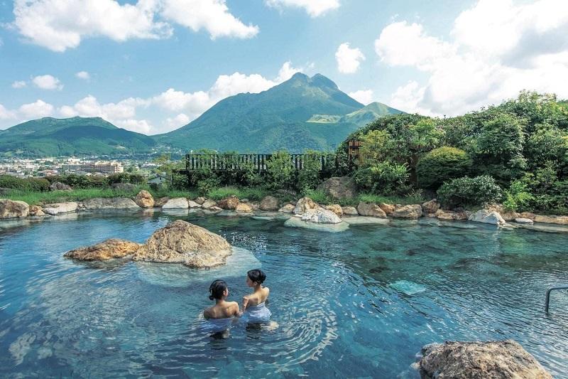 Tắm suối nước nóng Onsen tại HaKone