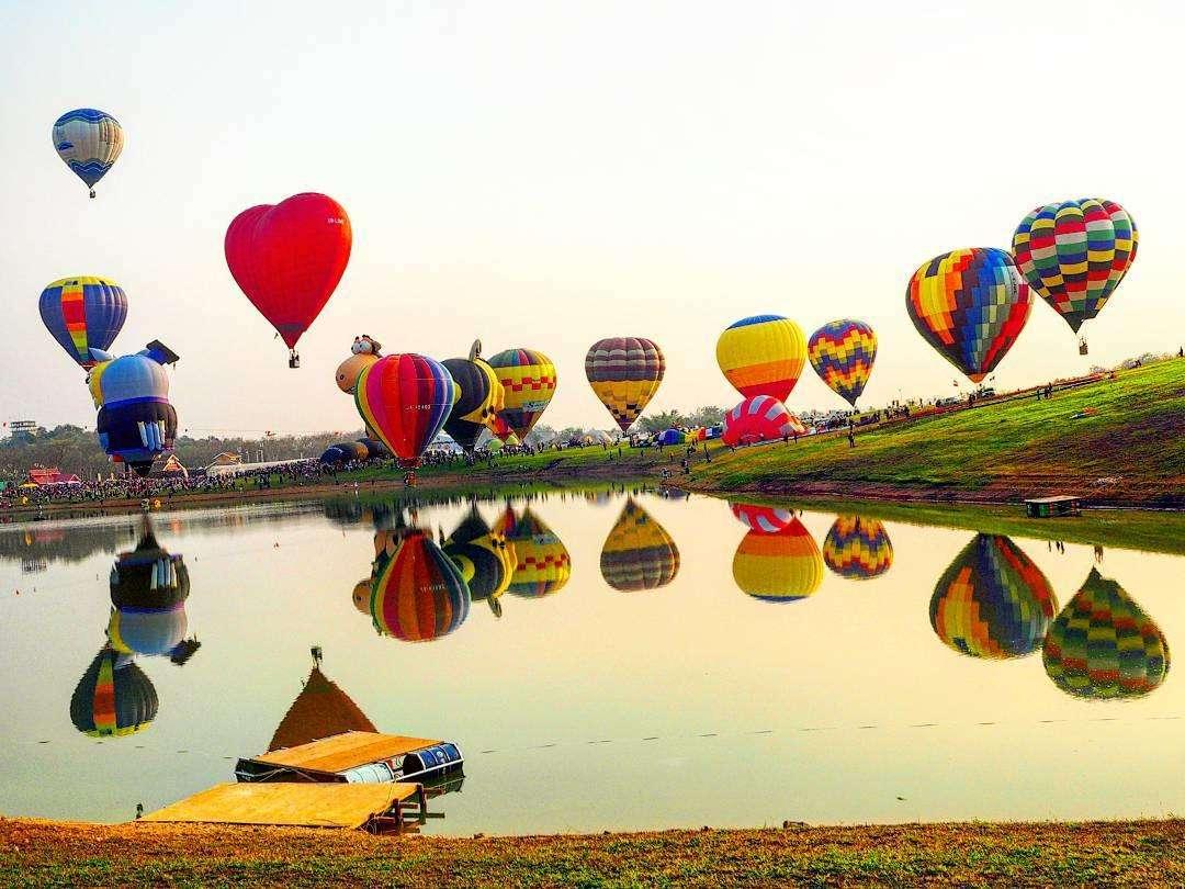 Lễ hội khinh khí cầu ở Singha Park