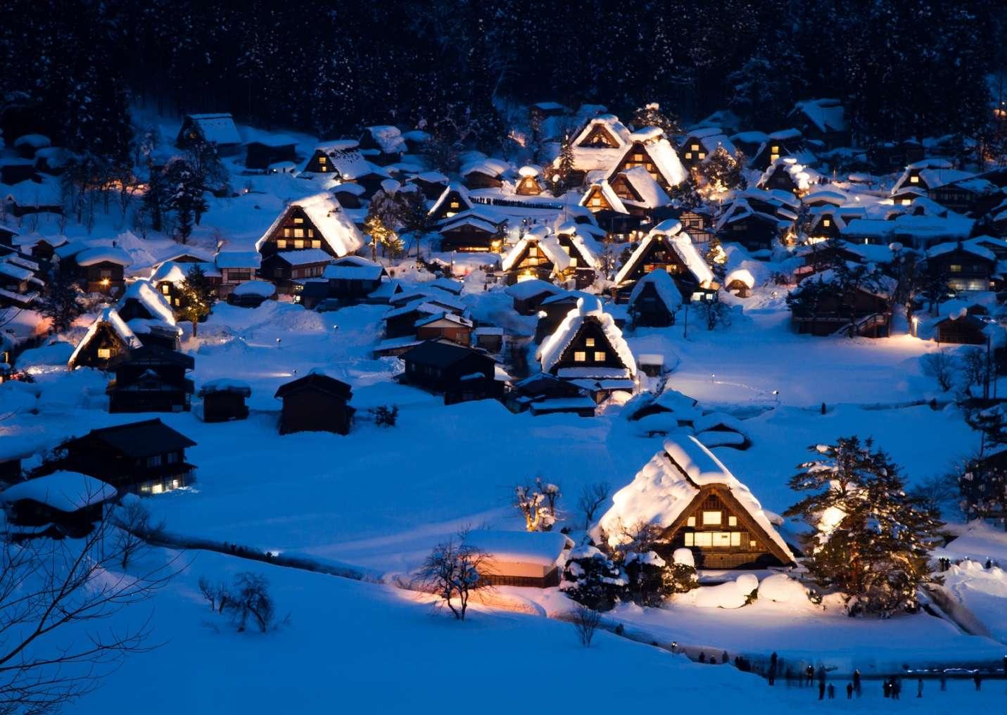 Khung cảnh ngôi làng tuyết đẹp đến mức người ta cứ nghĩ chỉ xuất hiện trong những giấc mơ thần thoại