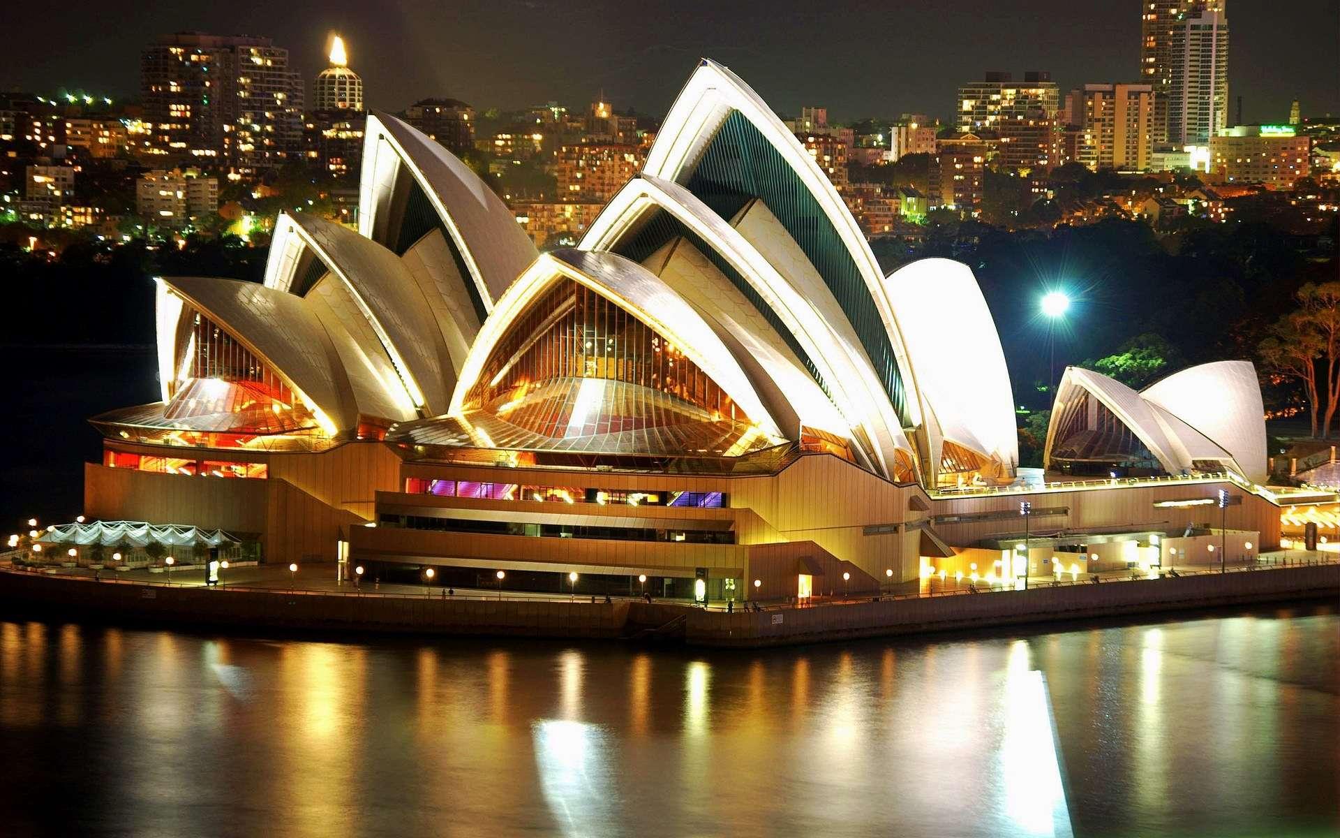 Hình ảnh rực rỡ về đêm của nhà hát Opera
