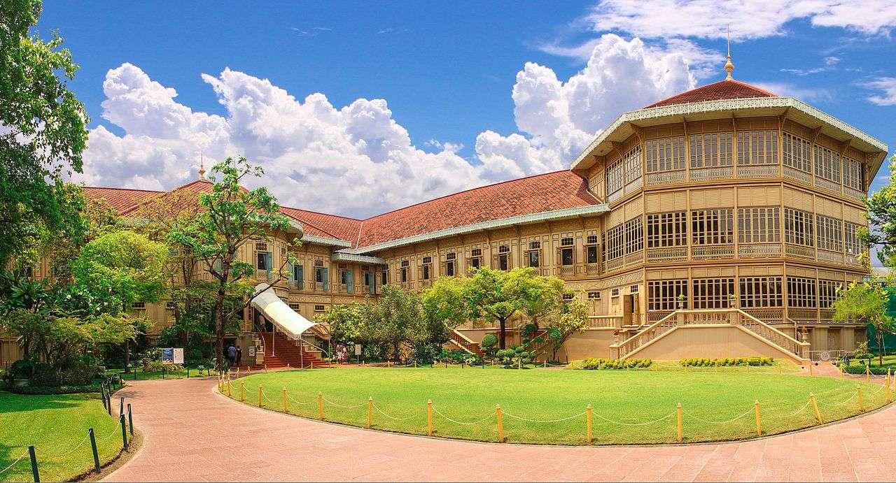Cung điện Vimanmek nổi tiếng được xây dựng bởi vua Chulalongkom
