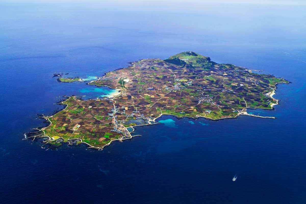 Đảo Jeju là một trong các địa điểm du lịch ở Hàn quốc nổi tiếng nhất