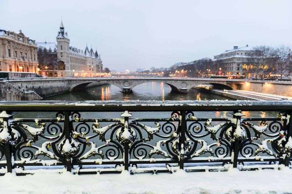 Mùa đông nước Pháp là mùa của tình yêu