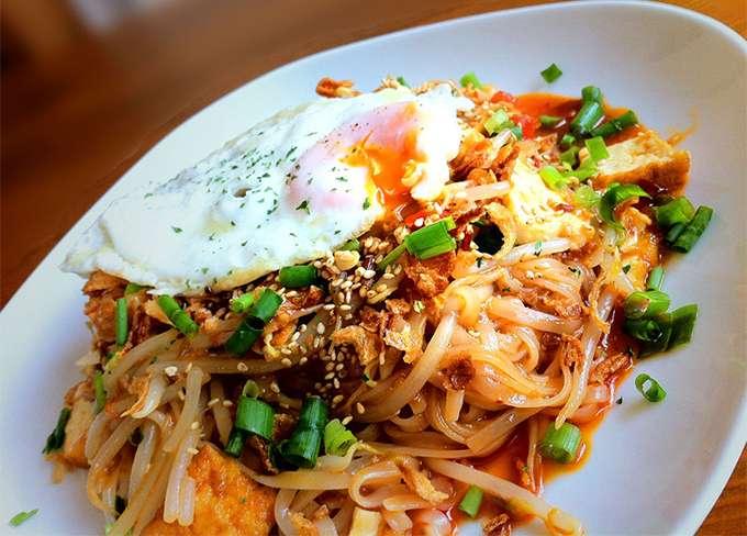 Pad Thái - một trong những món ăn quốc gia của Thái Lan