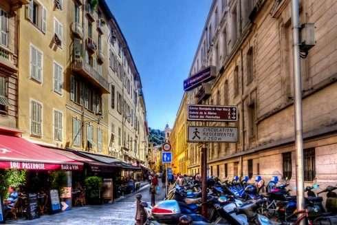 Phố cổ mộng mơ (Vieux Nice)