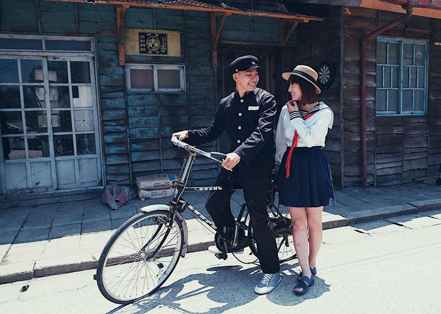 Chụp hình phong cách học sinh tại phim trường Suncheon