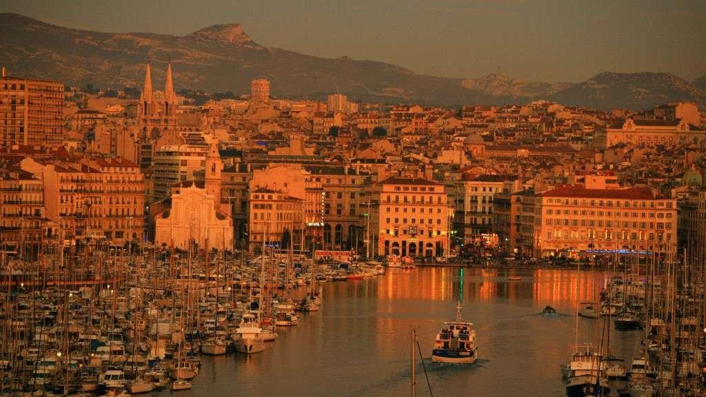 Bến cảng lâu đời của Pháp