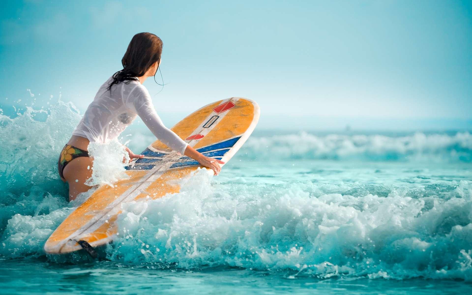 Lướt sóng tại bãi biển Waiao